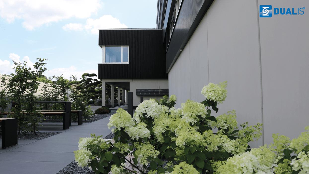 Das neue Bürogebäude von DUALIS GmbH IT Solution