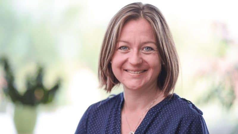 DUALIS-Mitarbeiterin Lisa Jost Marketing Manager